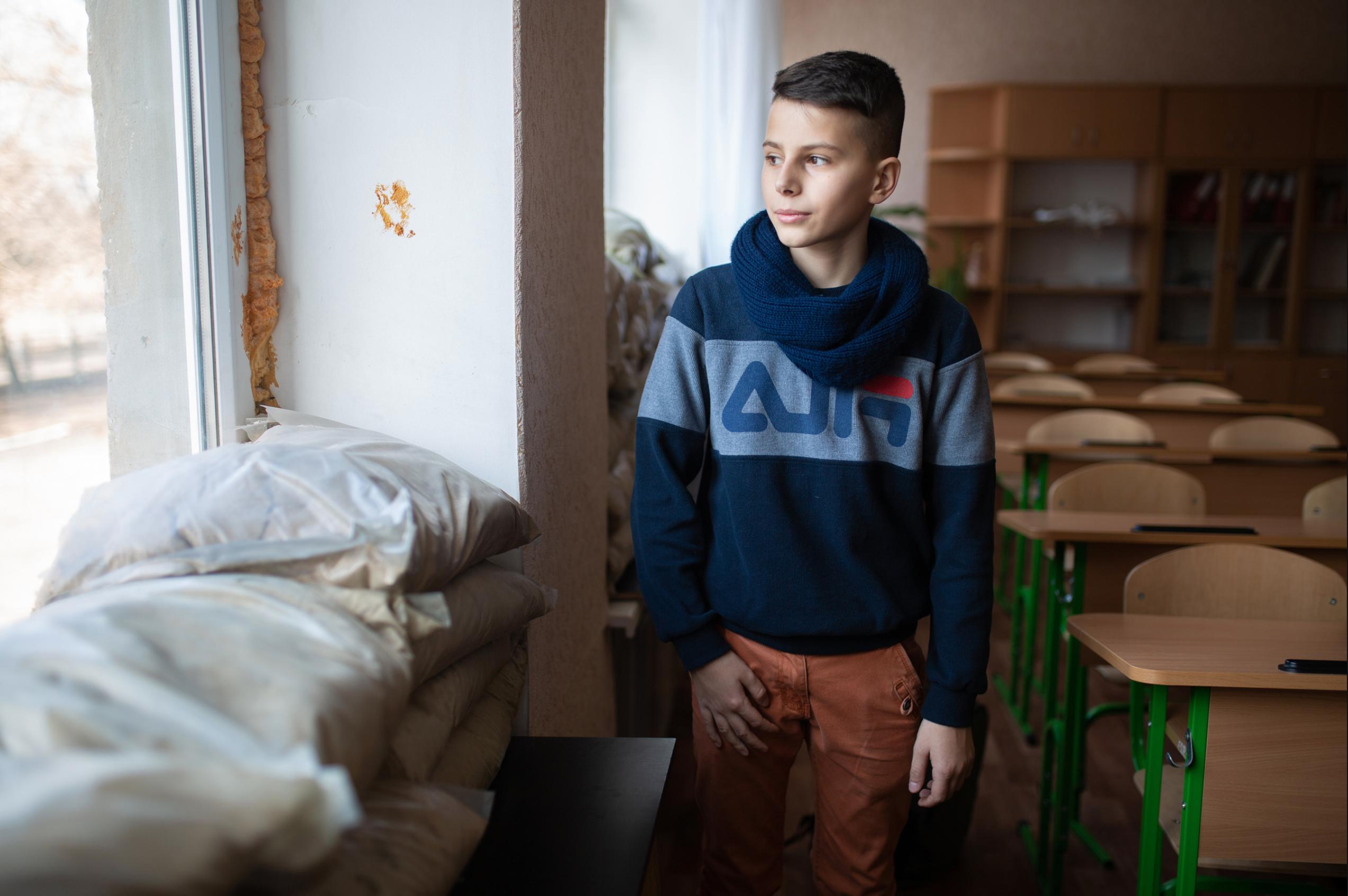 ЮНІСЕФ закликає посилити захист шкіл на сході України