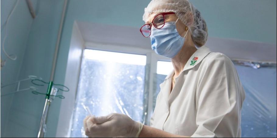 «Ми не просто багато працюємо. Ми працюємо завжди». Інтерв'ю з медсестрою з Торецька — спецпроект