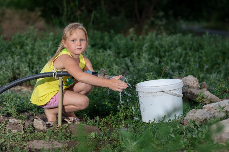 Кожна п'ята дитина у світі відчуває нестачу води для задоволення повсякденних потреб